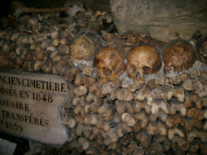 catacombs-paris_pmga2u