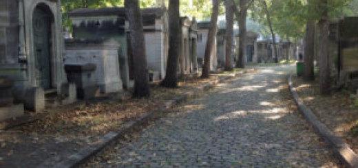 pere-lachaise-cemetery-paris_p7hnzf