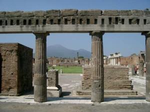 Pompei colonnade