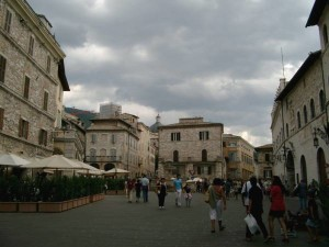 Piazza Commune Assisi 2