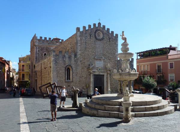 Piazza Duomo Taormina