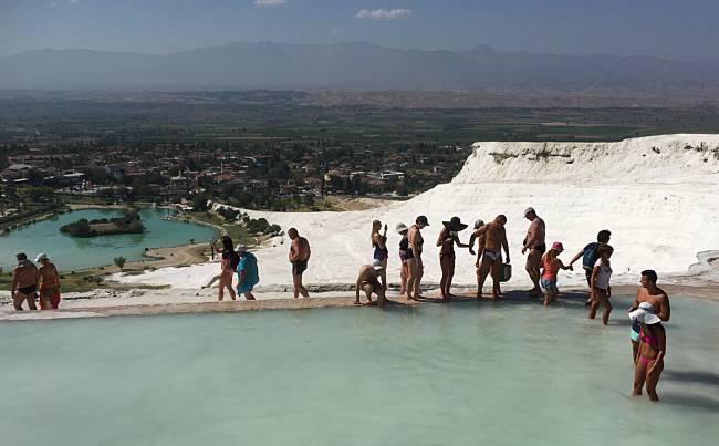 Pamukkale tourists