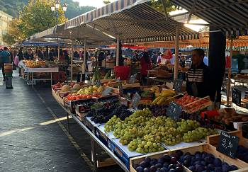 Nice Fruit market