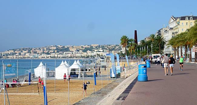 beachside Promenade des Anglais